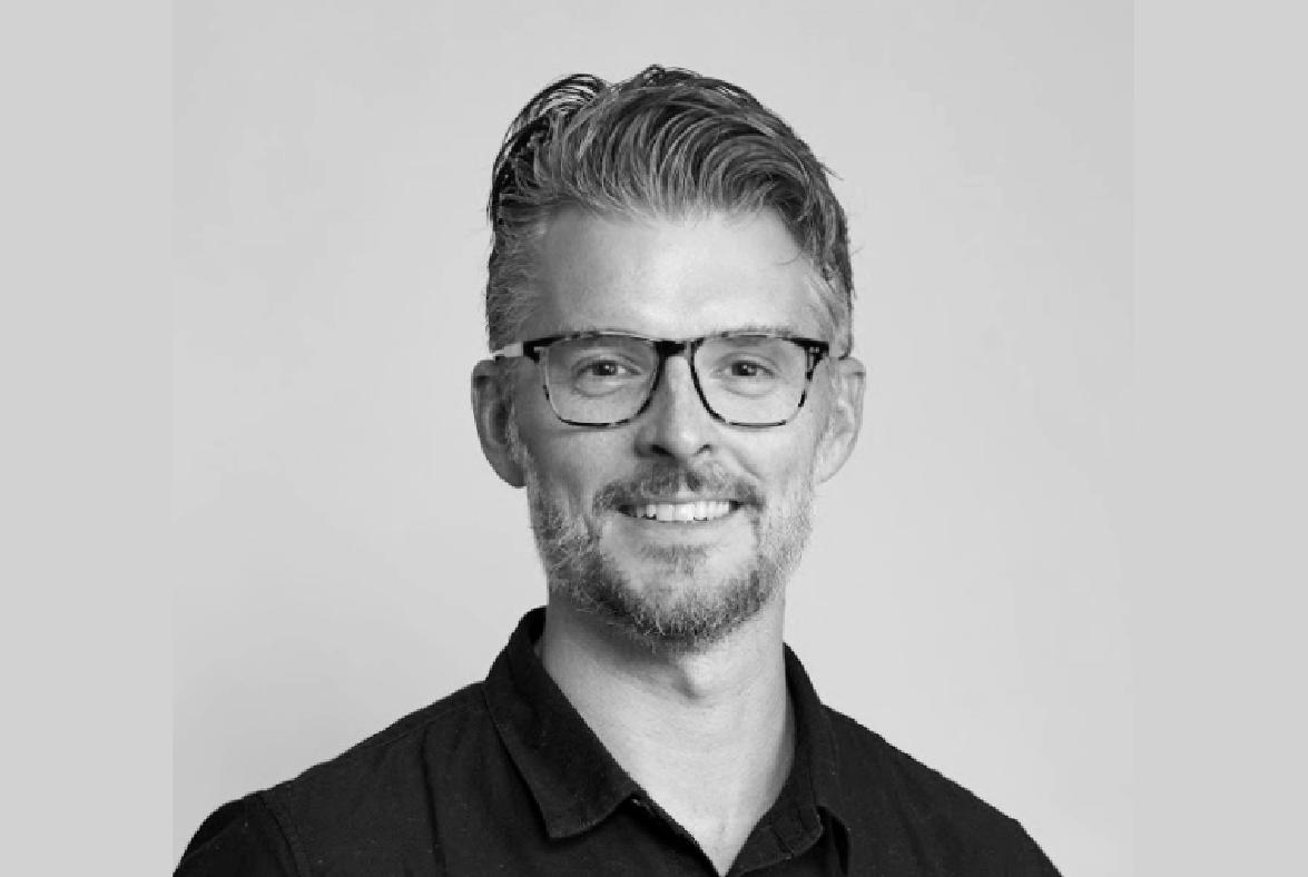 Ian Kelsall (Host)